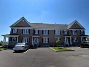 24517502 - Maison à étages à vendre