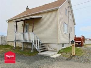 15798962 - Maison à étages à vendre
