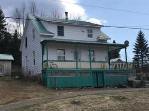 28570443 - Maison à étages à vendre