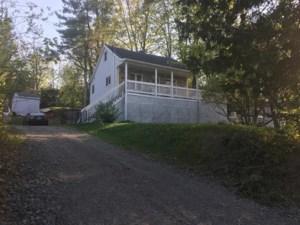 21715025 - Maison à étages à vendre