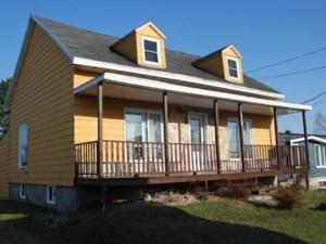 25635131 - Maison à étages à vendre