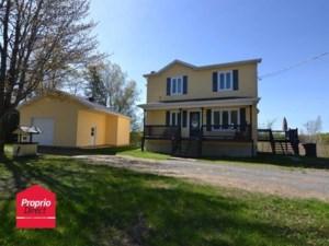 12102874 - Maison à étages à vendre