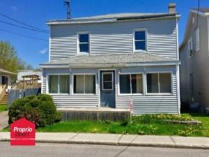 19422721 - Maison à étages à vendre