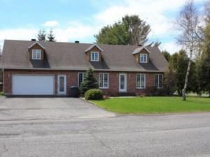 17131195 - Maison à étages à vendre