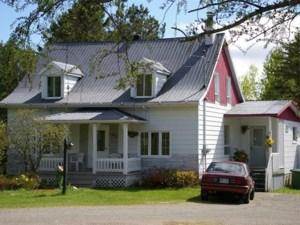 21011591 - Maison à étages à vendre