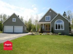 13674879 - Maison à étages à vendre
