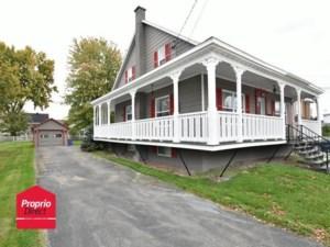 22835897 - Maison à étages à vendre