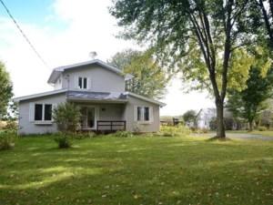 23607904 - Maison à étages à vendre