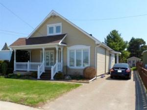 23815309 - Maison à 1 étage et demi à vendre