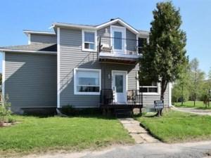 16623963 - Maison à étages à vendre