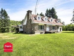 12435496 - Maison à étages à vendre