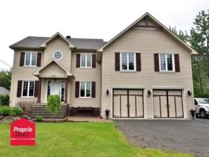 18673244 - Maison à étages à vendre