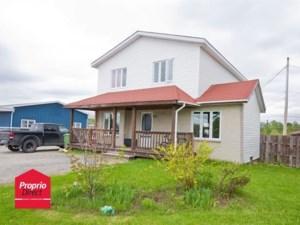 21711827 - Maison à étages à vendre