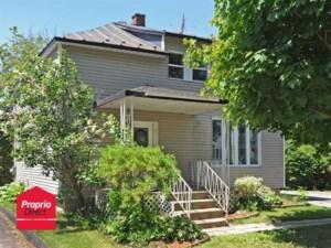 24798287 - Maison à étages à vendre