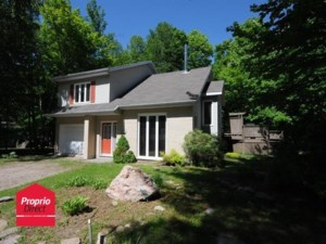 24922860 - Maison à étages à vendre