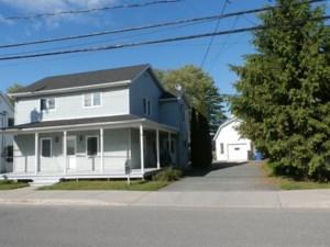 13140292 - Maison à étages à vendre