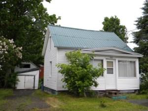 22186214 - Maison à étages à vendre