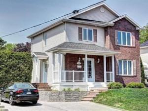 22326158 - Maison à étages à vendre