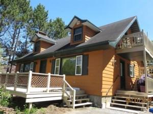 24065699 - Maison à étages à vendre