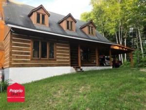 21884051 - Maison à étages à vendre