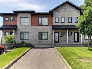23643323 - Maison à étages à vendre