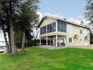 24559524 - Maison à étages à vendre