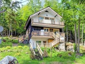 10502300 - Maison à étages à vendre