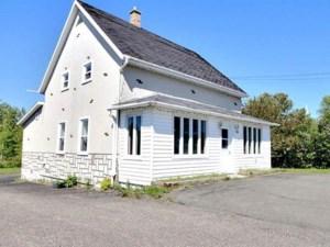 19042407 - Maison à étages à vendre
