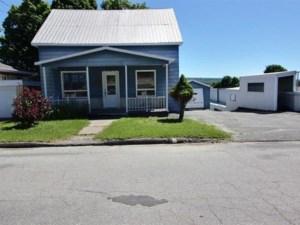 16906476 - Maison à étages à vendre
