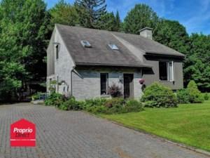 27907730 - Maison à étages à vendre