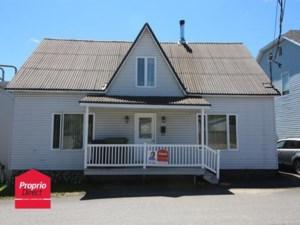 24810565 - Maison à étages à vendre