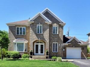 28933549 - Maison à étages à vendre