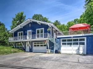 25031593 - Maison à étages à vendre