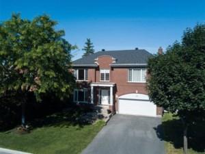 28103271 - Maison à étages à vendre