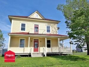 23609631 - Maison à étages à vendre