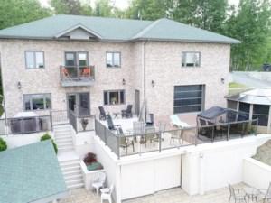 16619968 - Maison à étages à vendre