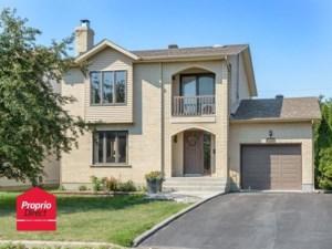 12079284 - Maison à étages à vendre