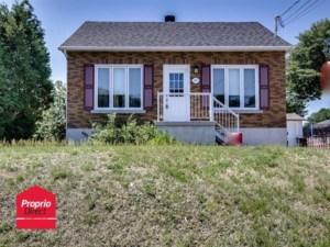 18693173 - Maison à étages à vendre