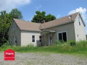 23967606 - Maison à étages à vendre