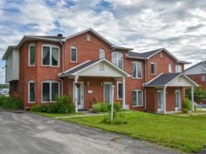 22005615 - Maison à étages à vendre