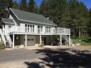 11007017 - Maison à étages à vendre