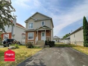 13773652 - Maison à étages à vendre