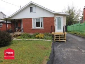 25671038 - Maison à étages à vendre