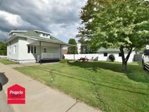 10705407 - Maison à étages à vendre