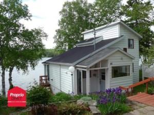 19373745 - Maison à étages à vendre