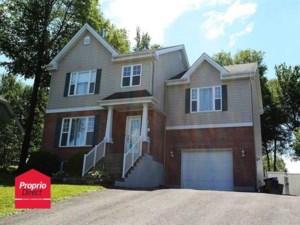 26889301 - Maison à étages à vendre