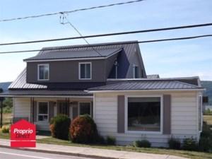 10038101 - Maison à étages à vendre