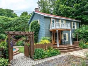 20748891 - Maison à étages à vendre