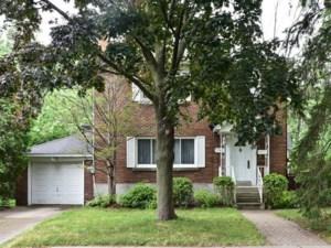 23647452 - Maison à étages à vendre