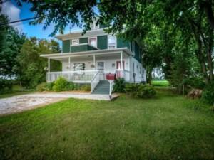 28667133 - Maison à étages à vendre